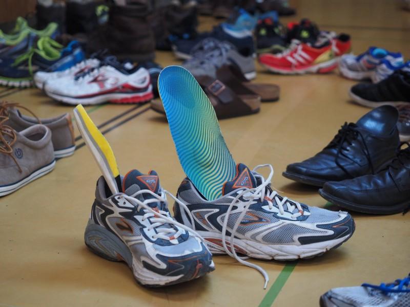 生理期没钱买卫生棉 韩国弱势少女只能用鞋垫充当