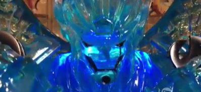 《火影忍者》卡卡西双写轮眼须佐雕像 霸气外漏