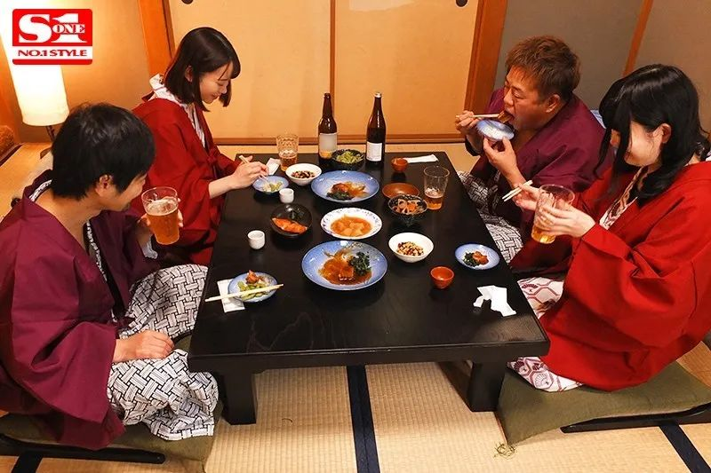 架乃由罗SSNI-783 人妻去温泉酒店遇到了今井勇太