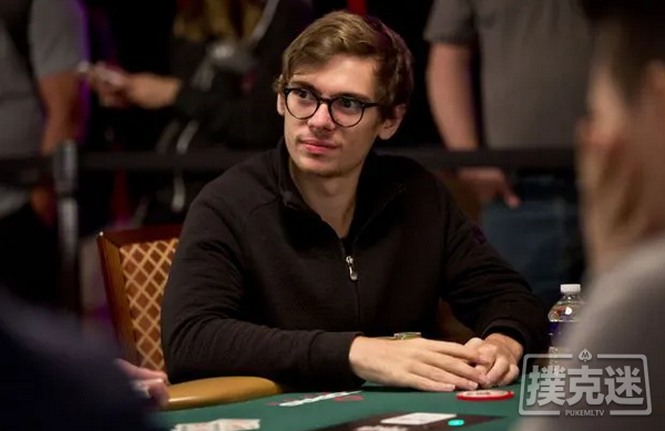 Fedor Holz单挑赛夺冠,赢得第二条WSOP金手链