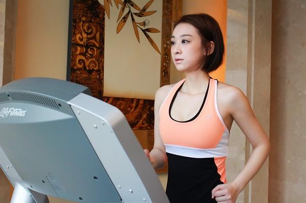 穆婷婷晒健身照作诗 网友评论:连减肥都是学霸