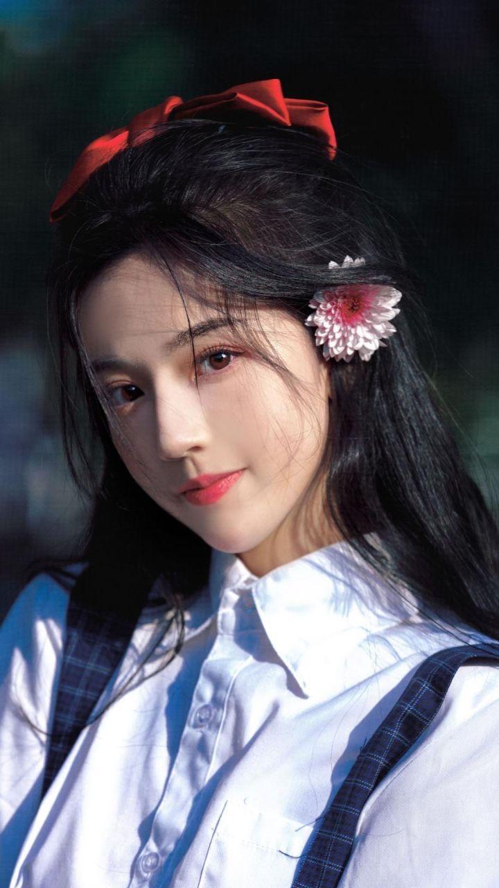 你见过最漂亮的女生长什么样?