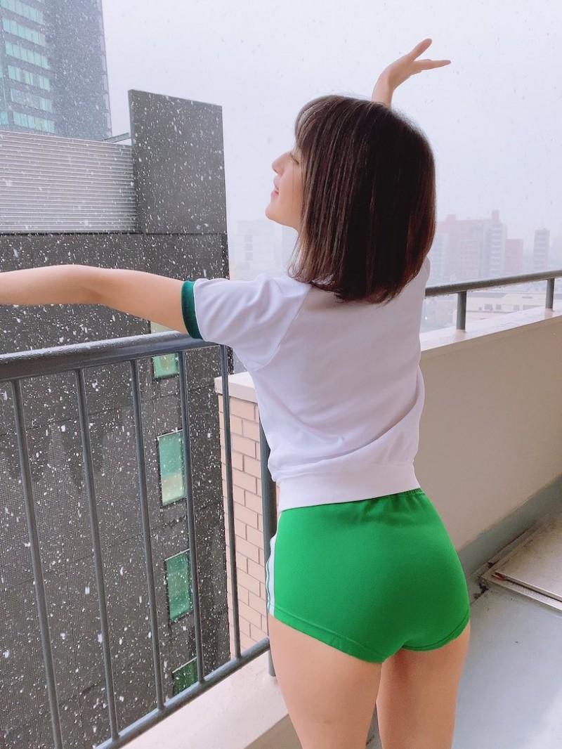 """22岁女优""""渚光希""""真理裤造型超邪恶,""""发育中的胴体""""好让人遐想!"""