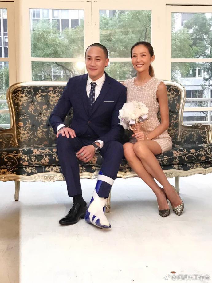 何润东与太太婚后首公开亮相 喜欢小孩想生龙凤胎