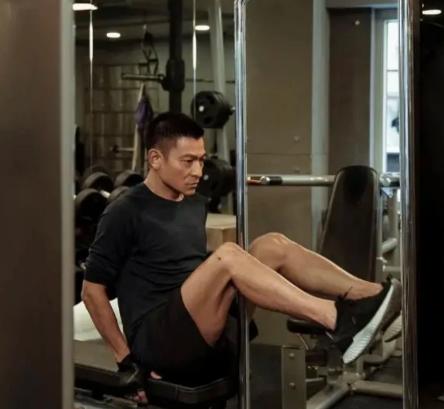 刘德华的身材跟他多年来热爱并且坚持运动分不开