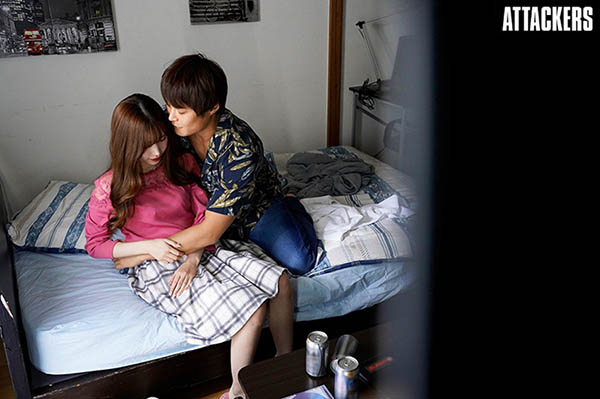 明里䌷ADN-314 明里つむぎ上了男朋友学长的床
