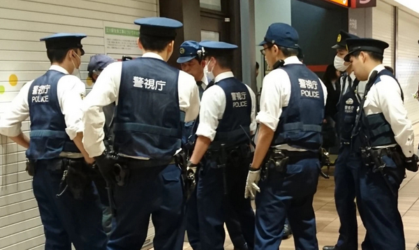日本某黑帮非法扑克室被警方捣毁