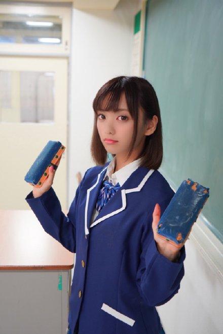 萌波铃IPX-501 文艺美少女在图书馆撩倒男生