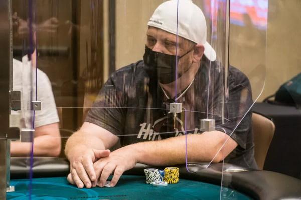 扑克牌手通过虚假新冠检测诈骗千万美元