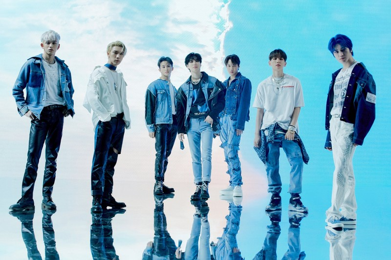 SuperM今天下午5点进行V LIVE特别直播! 与歌迷们提前共庆中秋!